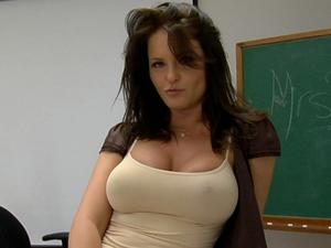 Excellent ni milf lessons your