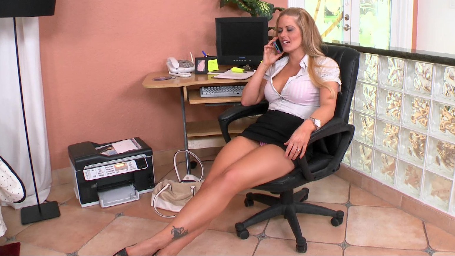 Fatty milf in high heels on legs Lisa Sparxxx exposing ass and tits  1007518