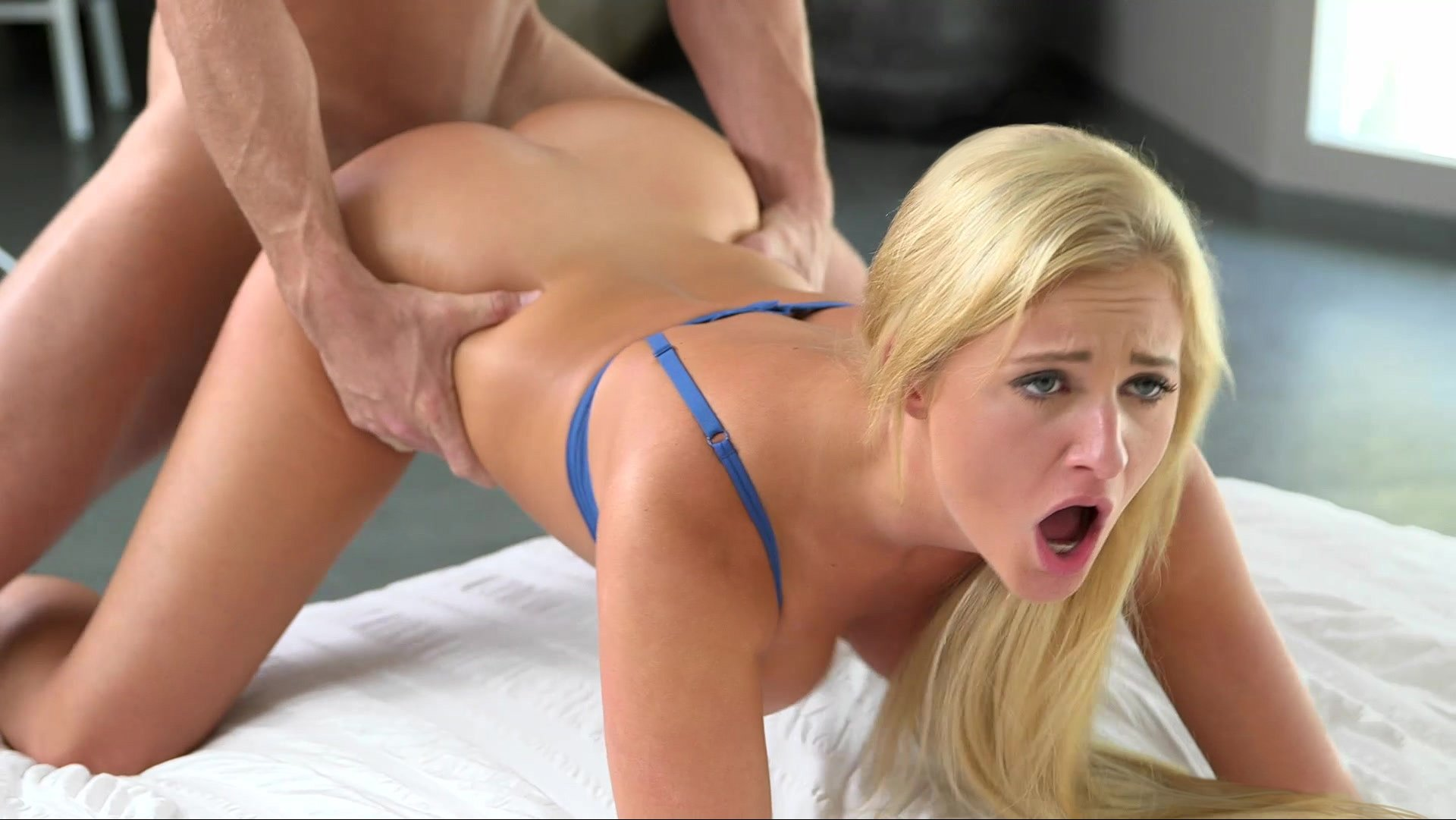 Athletic Blonde Gets Hard Sweaty Gym Fuck Lesson