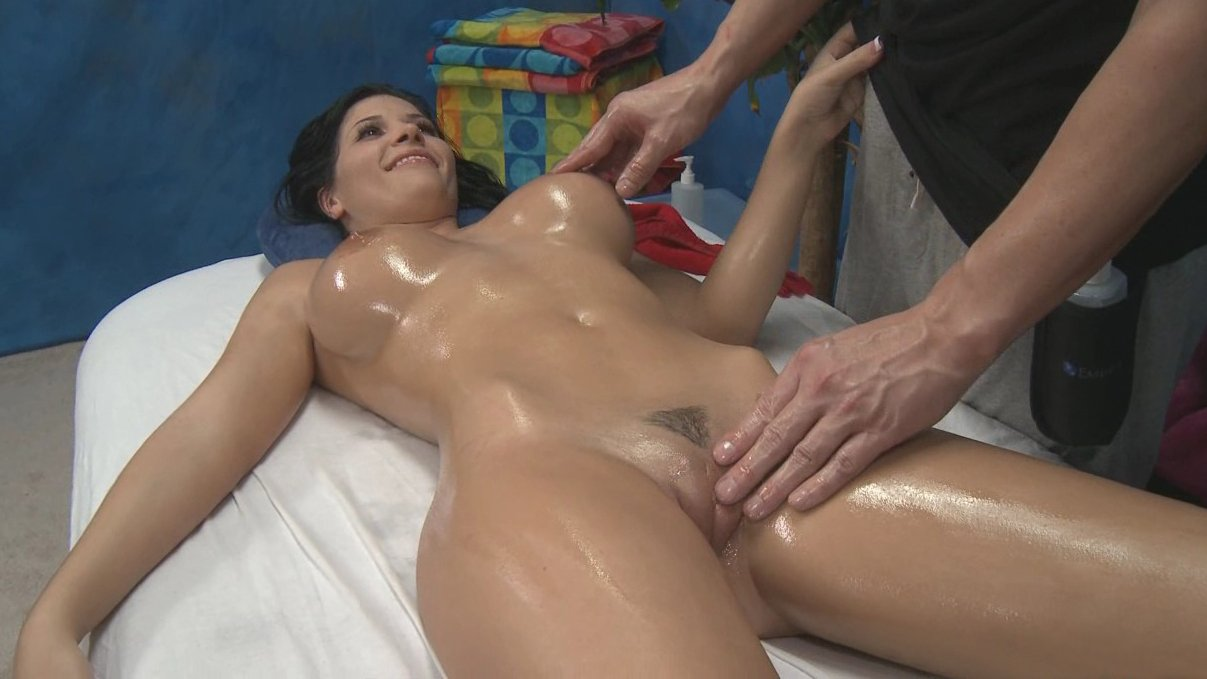 Indian fucking with oili massage — pic 5